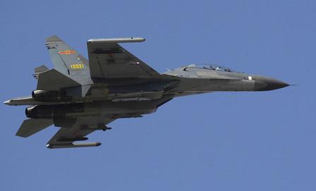 中国機接近「予測不能」な中国軍
